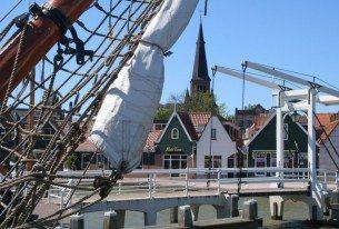 Klipperzeilen vanuit Monnickemdam aan het Markermeer