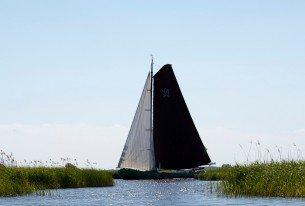 Zeilen op de Friese meren met een skûtsje