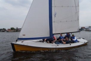 Actieve dag met familie op het water op de grens van Zuid-Holland