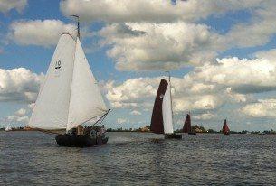 Zeilen met collega's op de Friese meren vlak bij Sneek